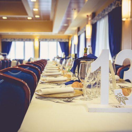 salón laviana detalle mesa
